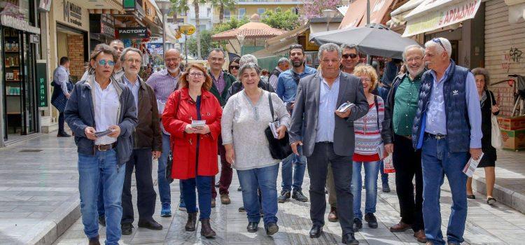 Στο κέντρο του Ηρακλείου οι Ενεργοί Πολίτες για ανταλλαγή ευχών με καταστηματάρχες και πολίτες